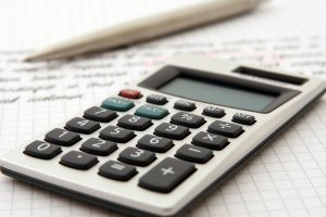 A calculator to define the costs of hiring professional organizers during a move.