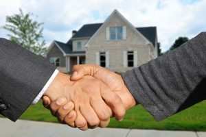 Before buying a house in Hollywood, ask everything about the property.